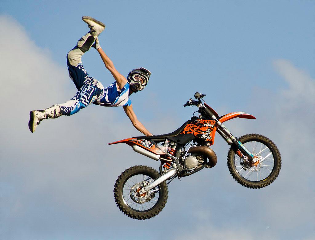 Control de la moto - Freestyle | BMWMOTOS.COM